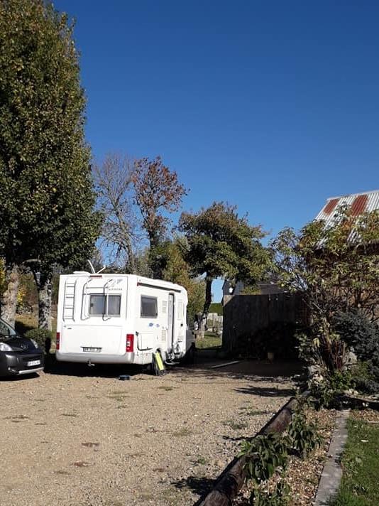 Aire camping-car à Châteauneuf-de-Randon (48170) - Photo 4